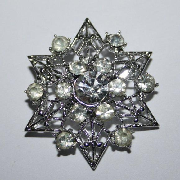 Stunning silver and rhinestone vintage brooch